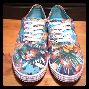 Floral Print Low Sneakers